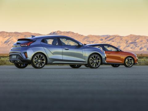 pair of 2019 hyundai velosters